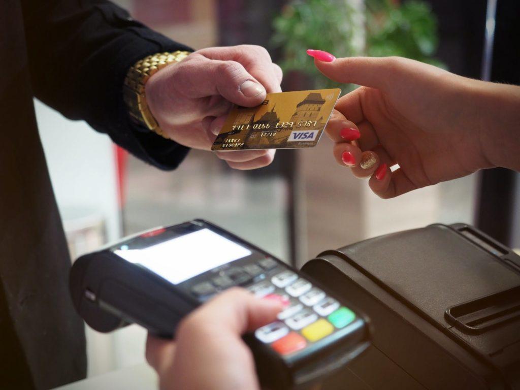 Как выгодно пользоваться кредитками